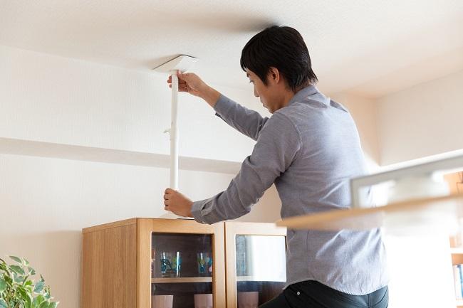 転倒 防止 家具